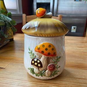 1970s Mushroom Ceramic Container